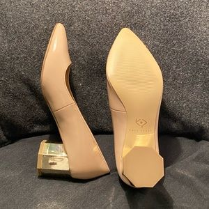 Katy Perry Lorenna Pump in blush patent leather.